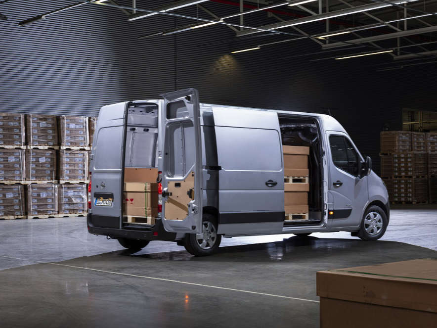 Opel Movano, вигляд з правого боку, віжкриті бічні двері
