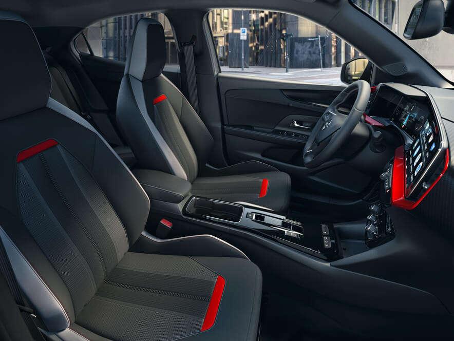 Opel Mokka, передній ряд сидінь